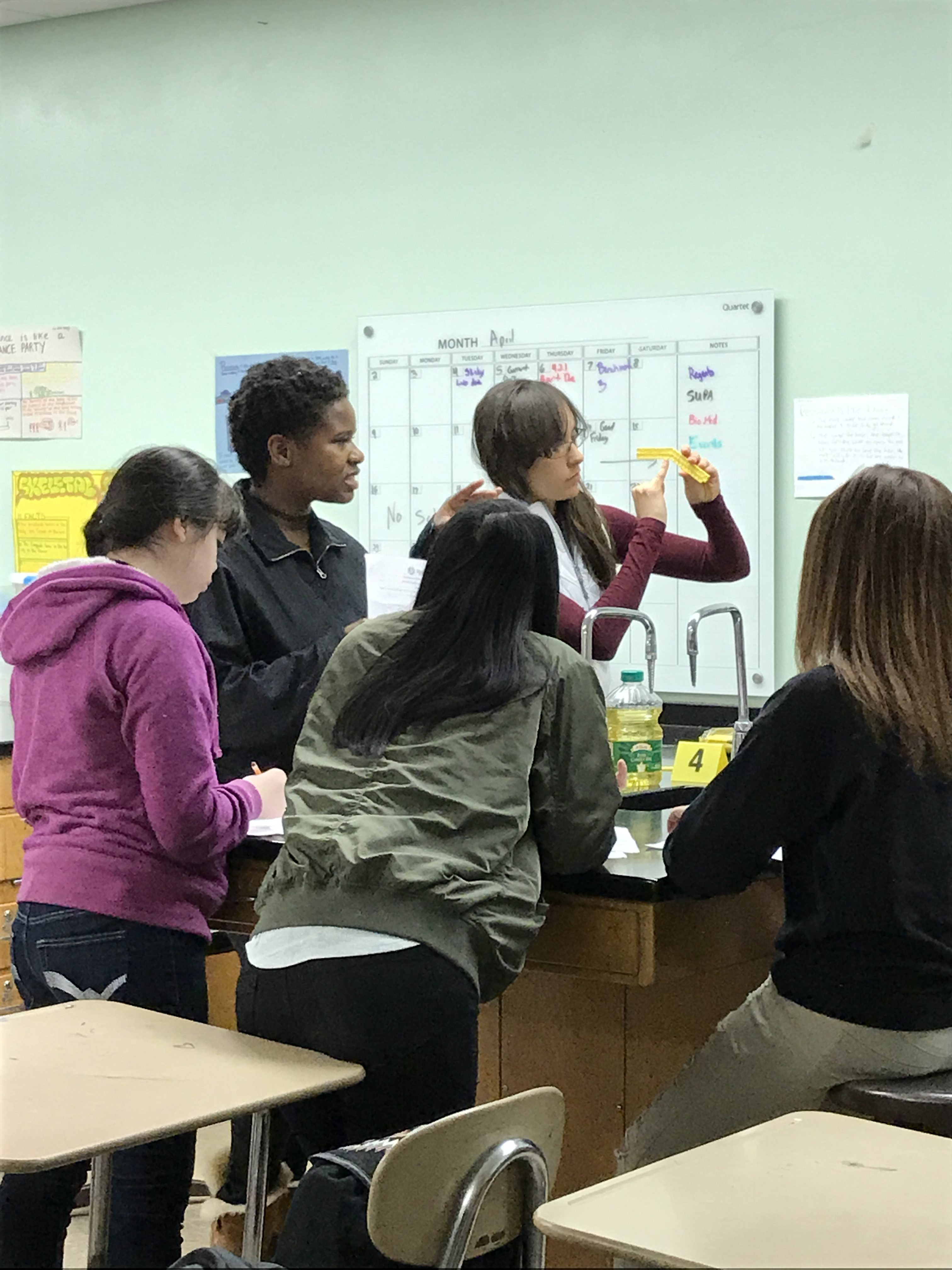 Mary Mik teaching nutrition to students