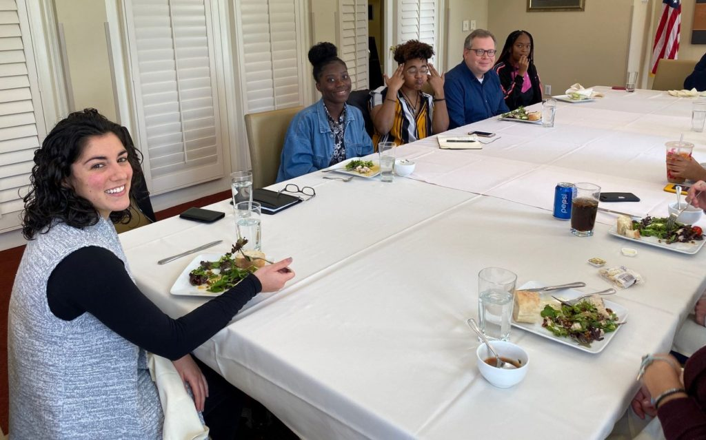 Honors and SOURCE students having lunch with Emily